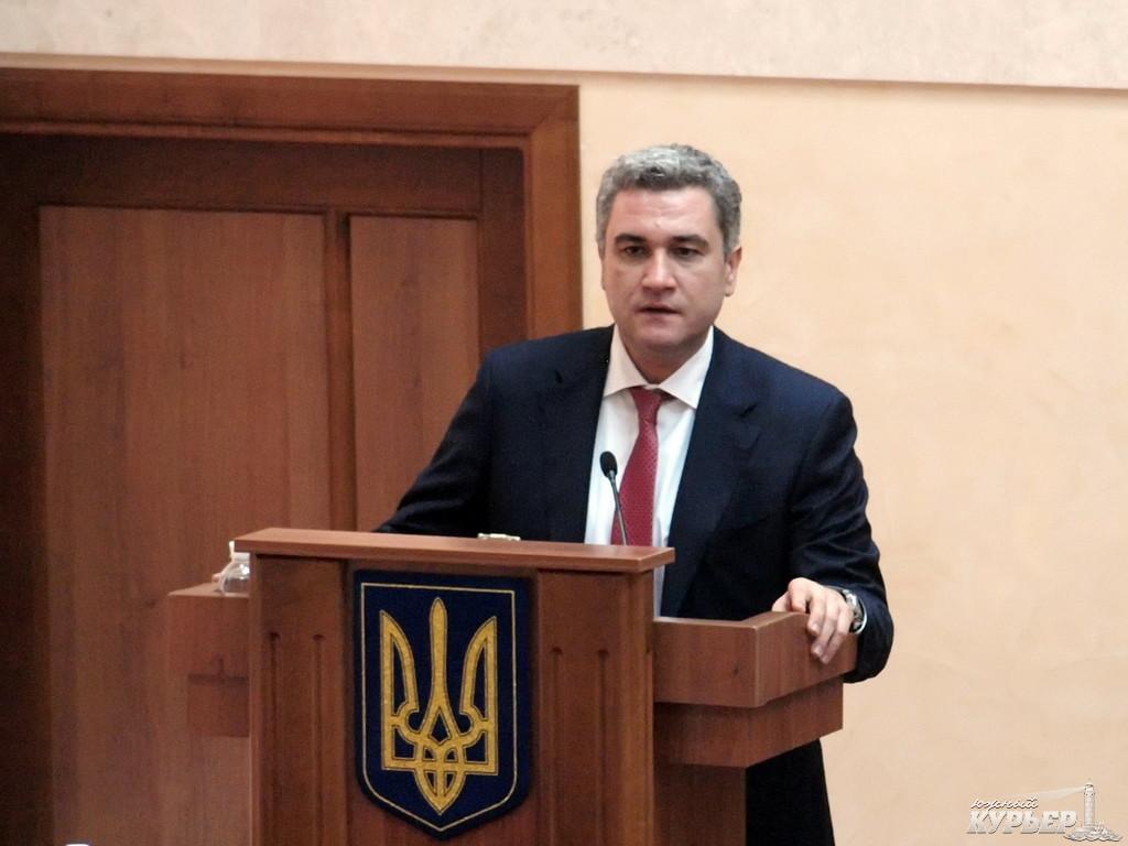 Семейные отношения: фирма близкая к отцу председателя облсовета Анатолия Урбанского выплатила ему долг в размере почти 200 тысяч