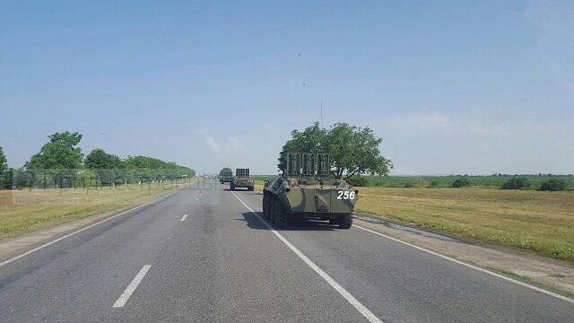 На границе с Одесской областью замечена колонна техники российских оккупантов (фото, видео)