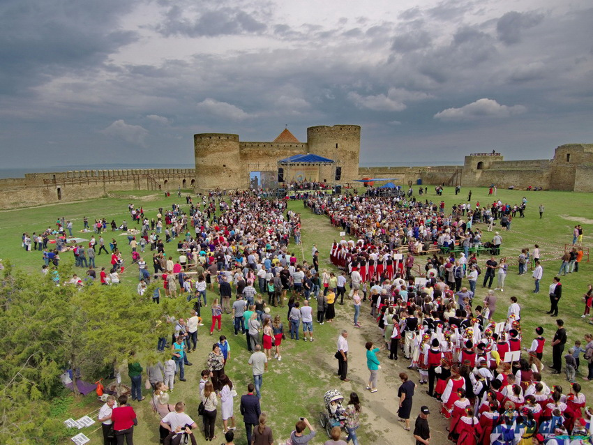 VIII Всеукраинский болгарский Собор: концерт, самобытная кухня, официальные лица, но заявленной массовости мероприятия не получилось