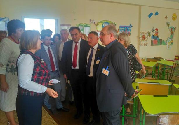 Чего достиг Фетеску деукраинизацией молдавских школ в Бессарабии?