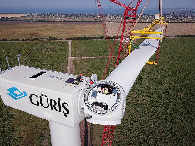 В Овидиопольском районе завершается строительство первой в Одесской области ветряной электростанции
