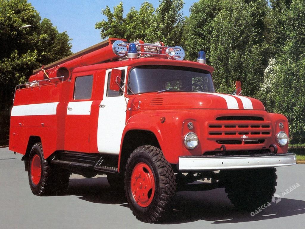 В Одесской области нардеп помог сельсовету найти пожарную машину: правда, сломанную