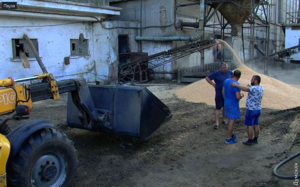 Арест, продажа и гешефт: как в Одесской области силовики фермеров грабят