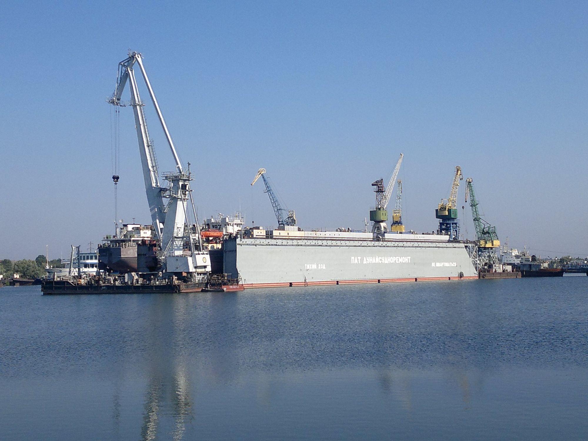В Измаиле судоремонтные заводы подбирают паруса